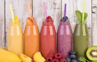 can you make smoothies with a food processor